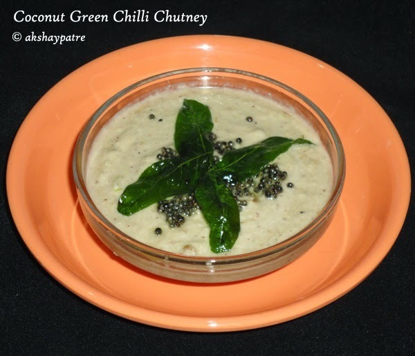 Coconut green chilli chutney for dosa and idli