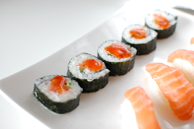 Sushi: Sweet chili roll