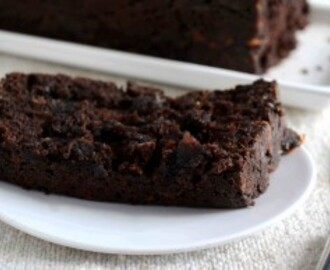 Eggless Chocolate Banana Quick Bread