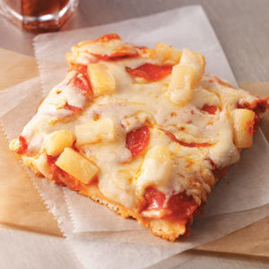 Image: Kickin' Hawaiian Pizza Recipe | Taste of Home