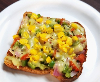 Whole wheat cheese corn veggie toast