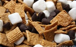 YUMMY SNACK MIX  SWEET OR  SAVORY????????
