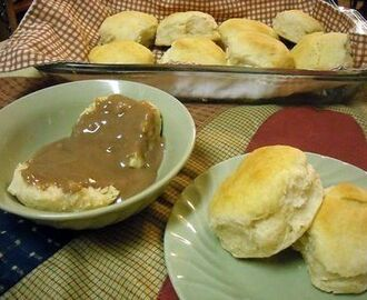Southern Chocolate Gravy & Biscuits