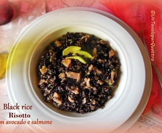 Black rice risotto avocado e salmone