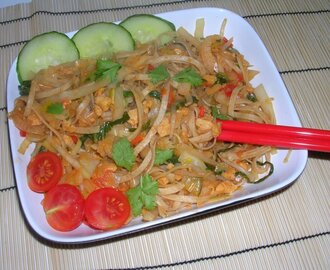Malaysian Stir Fried Noodles with Veggies