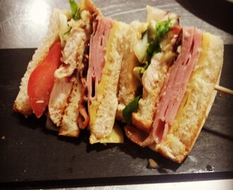 Mini brusqueta de sandwich club