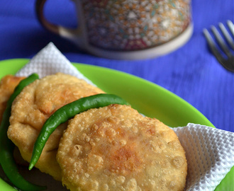 pyaz ki kachori - onion kachori - snack recipes