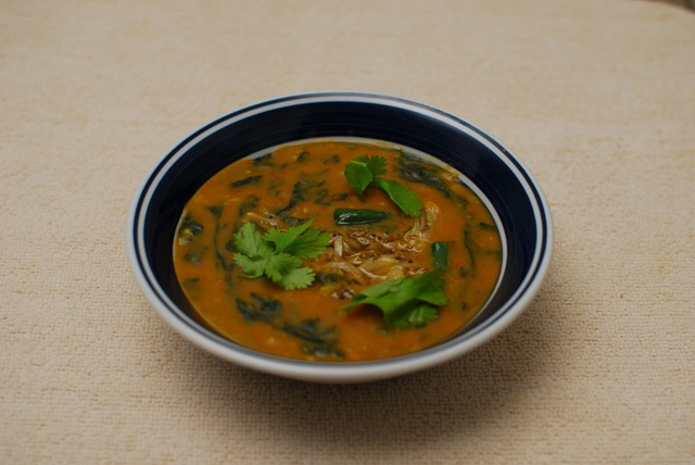 Dal Palak with Garlic for Phulka and Steamed Rice