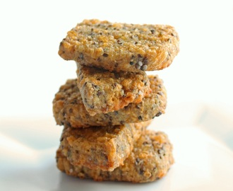 Cheesy Flax & Chia Seed Cracker Bread