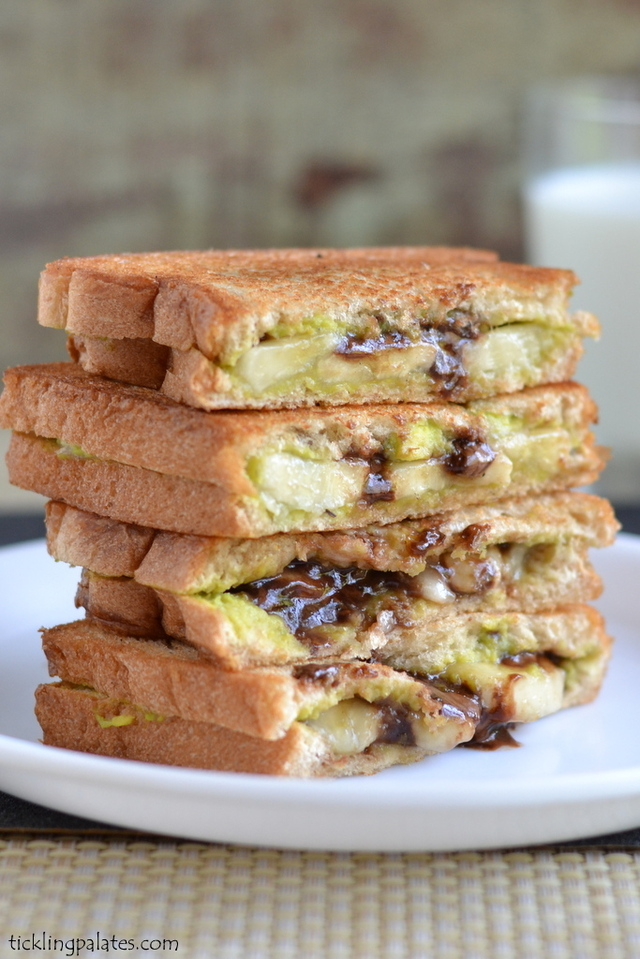 Avocado Chocolate Grilled Sandwich Recipe | Easy Sandwich Recipes For Kids