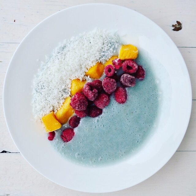 Mermaid Bowl - Blaue Smoothiebowl