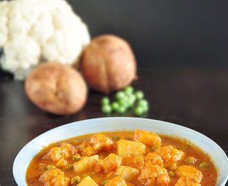 Aloo Gobi Matar | Potato Cauliflower Peas Curry