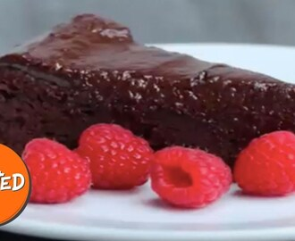 Easy Chocolate Fudge Cake | Twisted