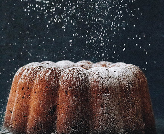 Bundt Cake with Chocolate and Walnuts
