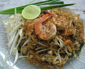 Glass Noodles Pad Thai Koong Sod