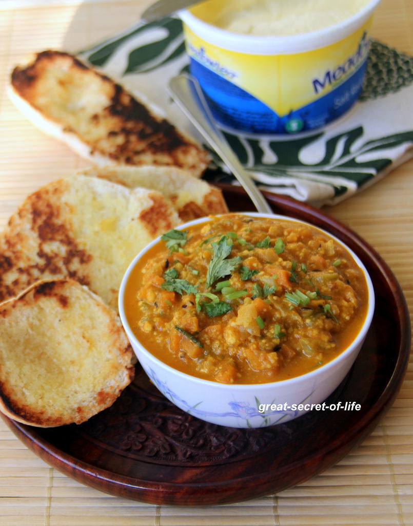 Paneer Pav Bhaji Recipe - Famous Indian street food