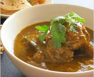 Green Masala Chicken Curry..