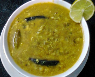 Tadka Dal With Whole Moong (Green Grams) And Bengal Gram