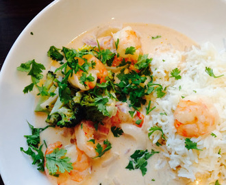 Rask thai red curry suppe med scampi