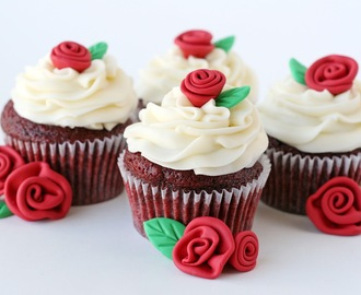 Red Velvet Cupcakes with Roses {Recipe}