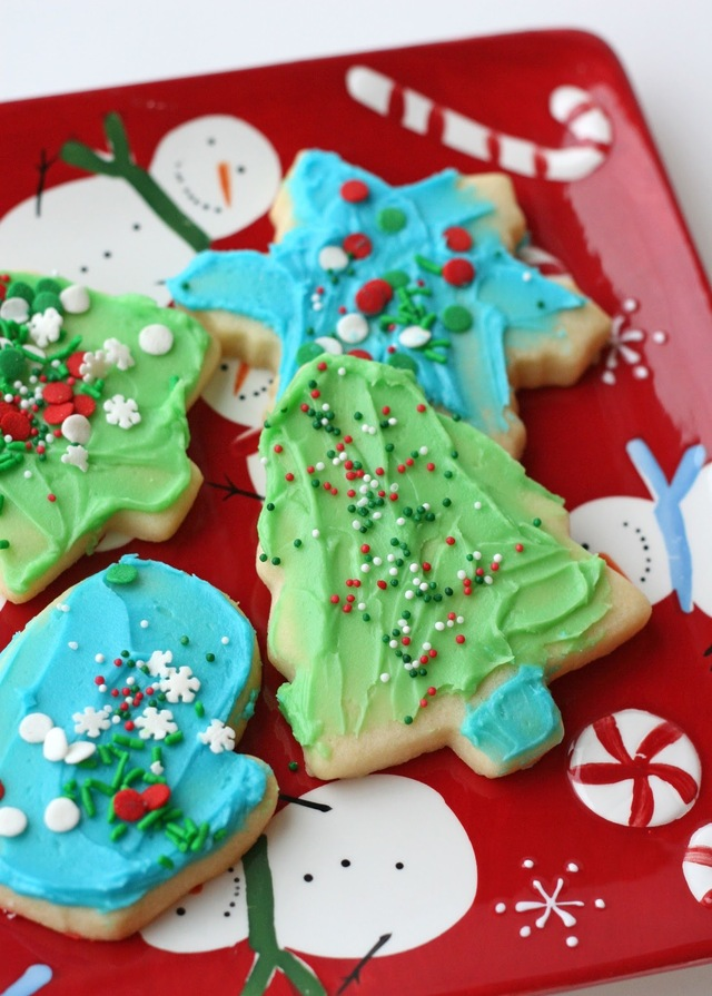 Cookie Decorating Kits for Kids {and Easy Butter Frosting Recipe}