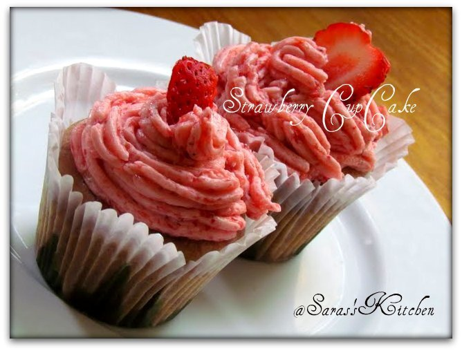 Eggless Wholewheat strawberry cupcake
