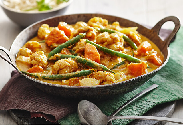 Sweet potato and cauliflower penang curry