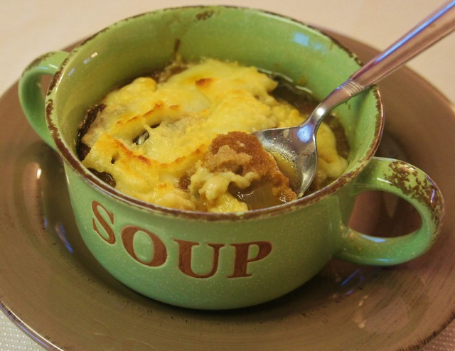Slow Cooker Simple French Onion Soup