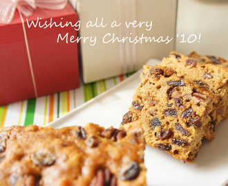 Merry Christmas '10 and a Dark Fruit Cake