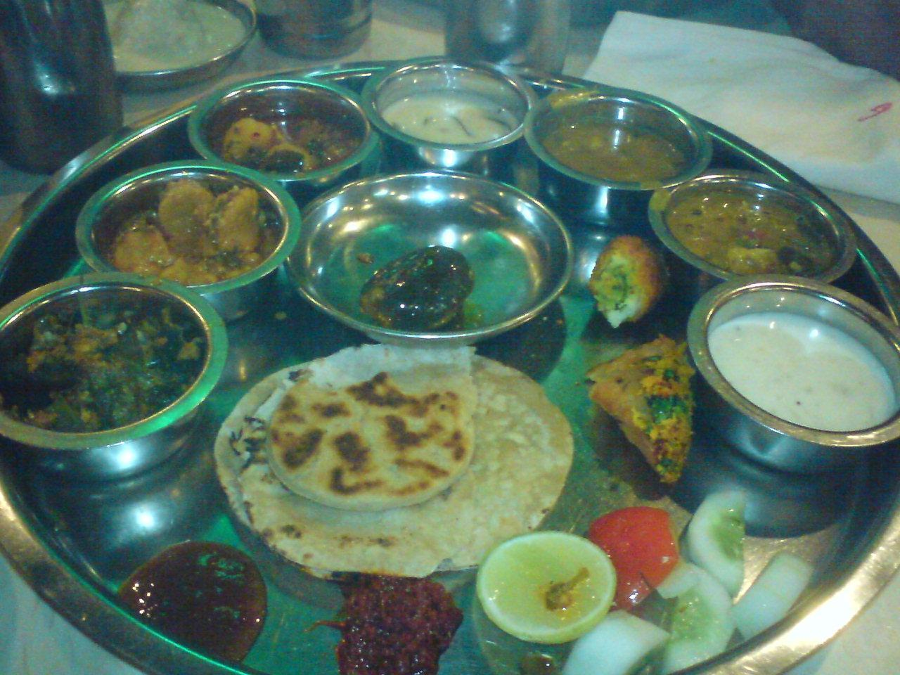 Restaurant(s) Review(s) : Cafe Basilico and Golden Star Thali