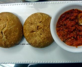 Matar kachori ( savory fried puff pastries stuffed with peas )/ How To Make Perfect Matar Kachori