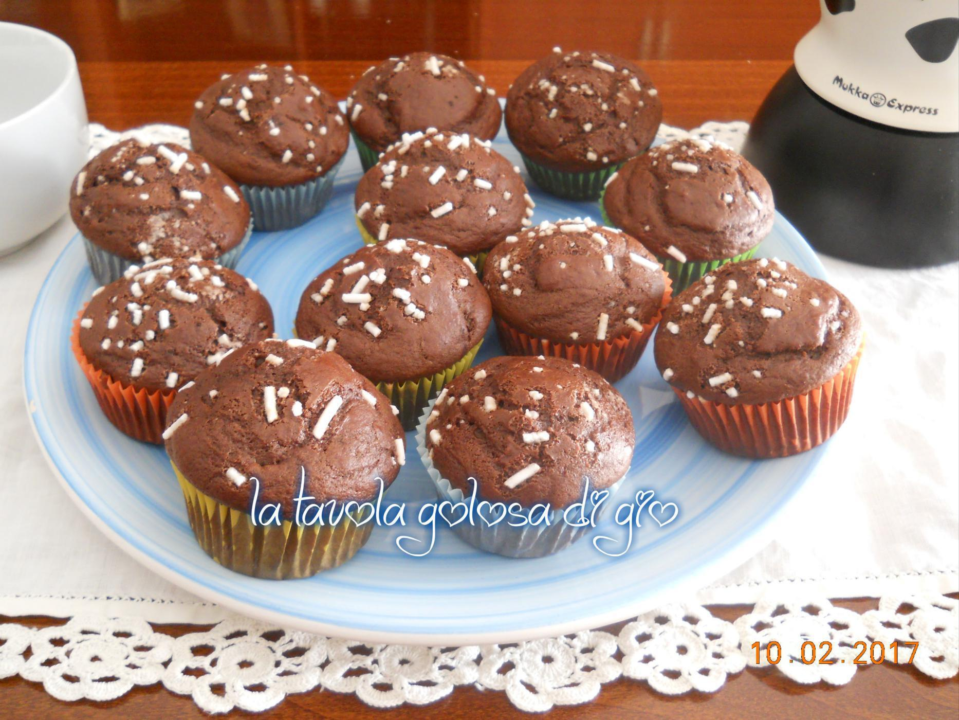 Muffin soffici al cacao con yogurt