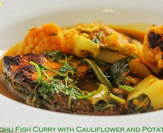 Rohu Fish Curry with Cauliflower and Potato