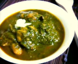 Murg Palak or Spinach  Chicken. .Chicken  cooked  with Spinach  Juice