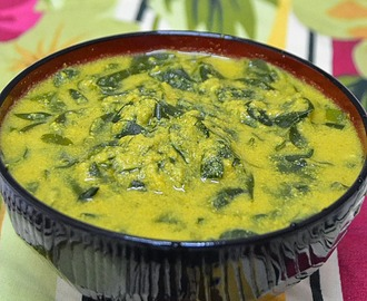 Muringayila Curry ~ Drumstick Leaves in Ground Coconut Sauce