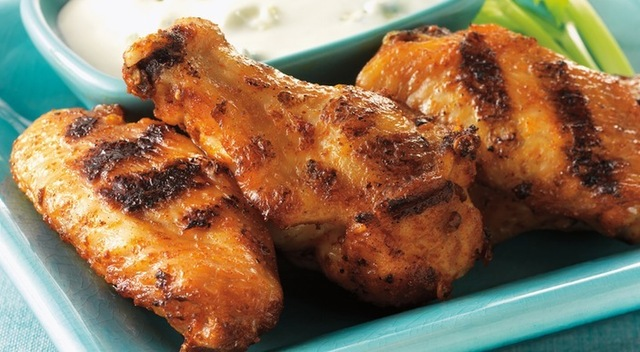 Hot Wings with Blue Cheese DressingRecipe from Weber's On the Grill™: Chicken & Sides by Jamie Purviance