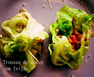 Trouxas de couve com feijão - Meatless Monday #9