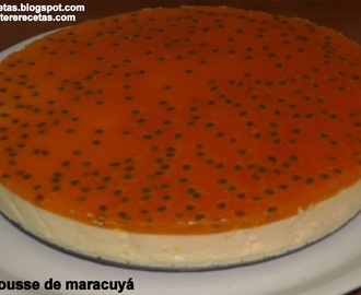 Mousse de Maracuyá (parchita, passion fruit).