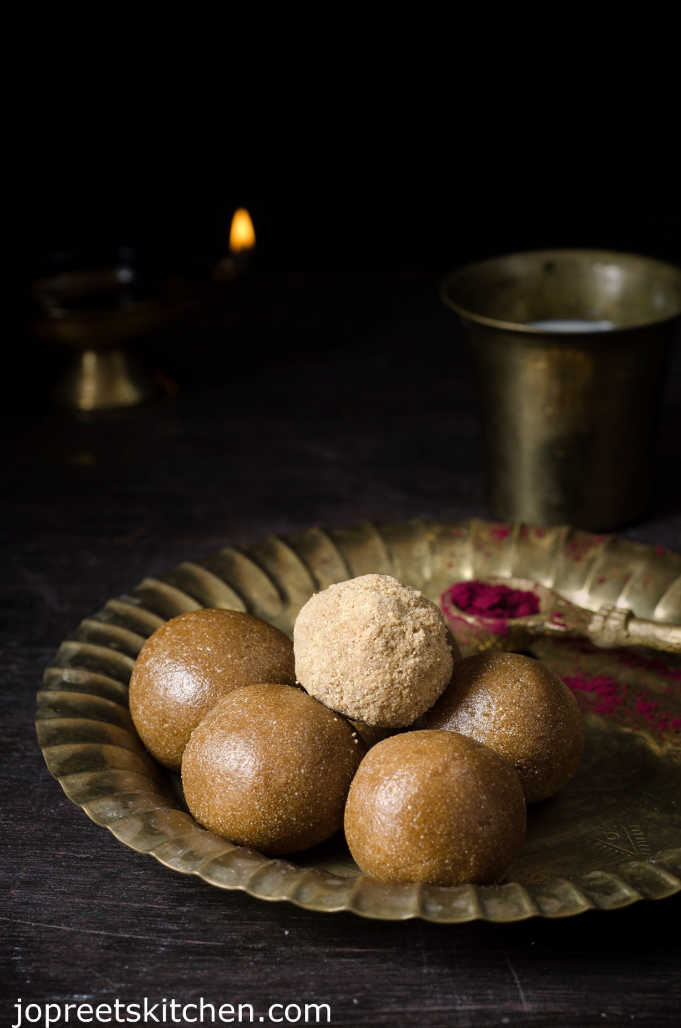 Saamai Arisi Ladoo / Little Millet Laddu - Millet Recipes