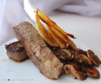 Naco de vitela com cogumelos salteados e batatas assadas | Tenderloin veal with sautéed mushrooms and roasted potatoes
