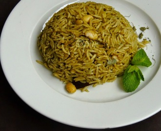 Kasuri Methi & Avarekalu Pulao/Hyacinth Beans & Dry Fenugreek Leaves Pulav~~My 3000th post
