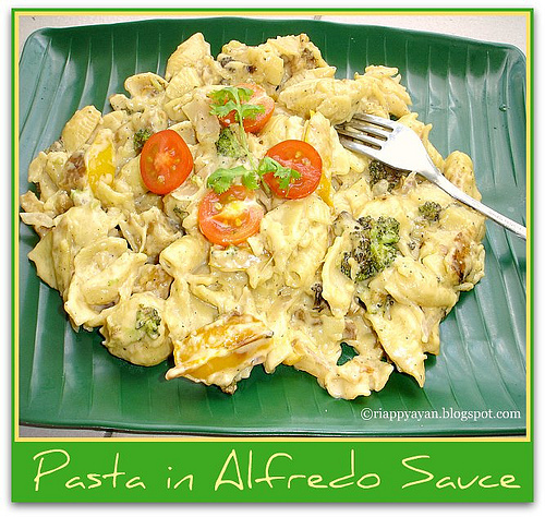 Pasta in Alfredo Sauce(low-fat version)