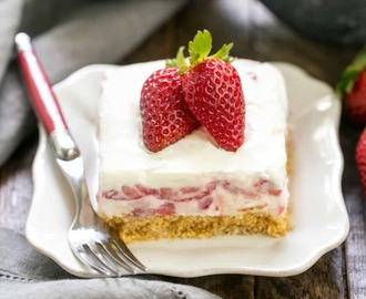 Strawberry Cheesecake Lush Dessert #SummerDessertWeek