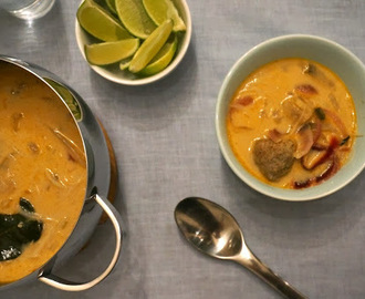 Thai-suppe med spicy kjøttboller