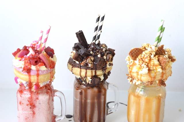 3x Freakshakes maken (video)