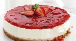 Cheese cake με φράουλες και ζελέ