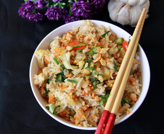 Burnt Garlic Vegetable Fried rice - Indo Chinese Vegetable Fried Rice - Indo chinese Recipe