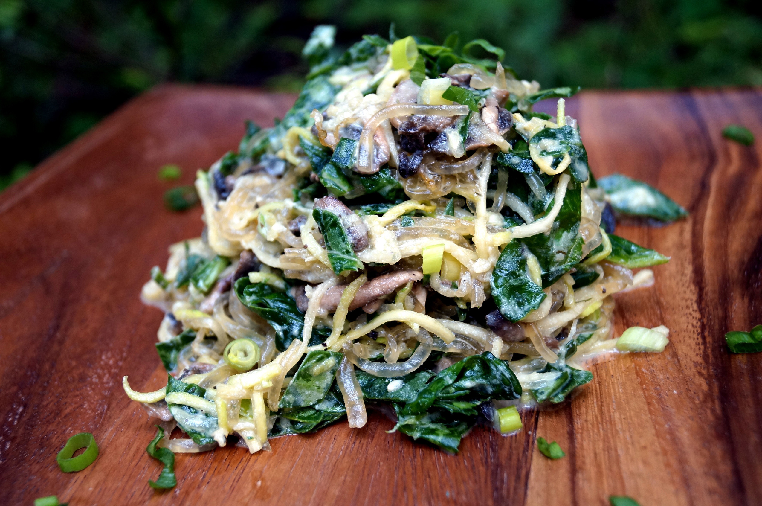 Zucchini and Kelp Pasta in Mushroom & Spinach Cheeze Sauce