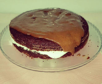 Bolo de Chocolate com Chantilly e Mousse