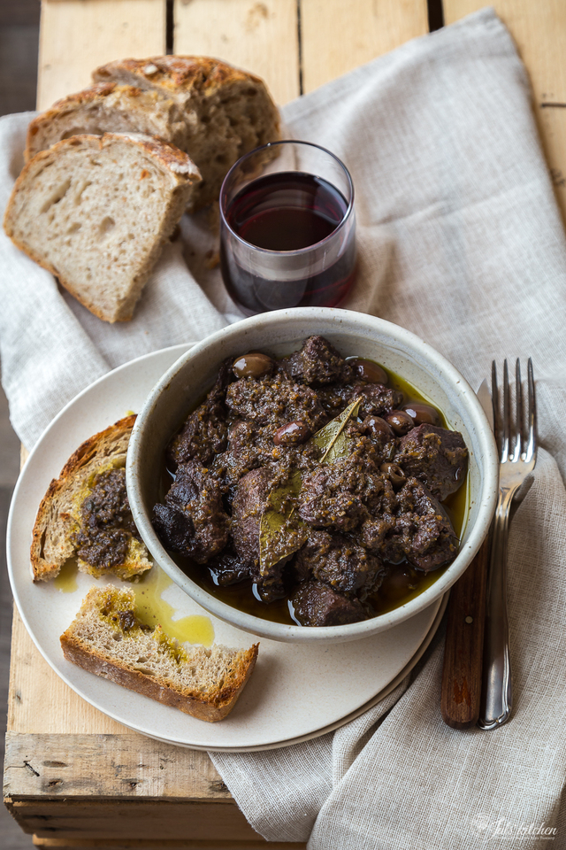 The time of sagre. Tuscan food festivals and stewed wild boar